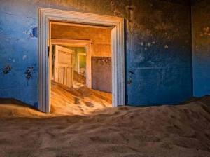 Shaman Tube - Kolmanskop Photography